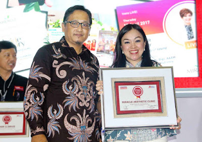 penghargaan award prestasi miracle aesthetic clinic kecantikan beauty blogger vlogger liputan media partner mencari sponsorship berita terbaru profil perusahaan bisnis usaha kesuksesan dokter estetika di surabaya recommended terbaik aman