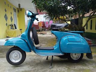 Di jual cepat motor antik (Vespa) Super blue thn 75