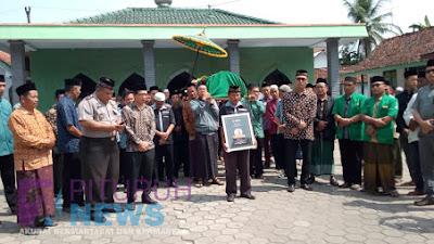 Pemakaman Pengawas Pemilu di Desa Megulunglor, Yang Meninggal Karena Sakit