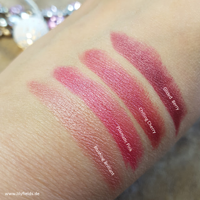 AVON - TRUE COLOUR Luminous Velvet Lippenstifte - Swatches