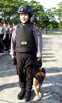 Dikendalikan Polwan Cantik, Polda Sulsel Kini Punya Anjing Pelacak Narkoba