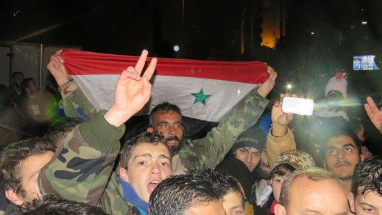 قوات الجيش السورى خلال الاحتفال بدحر الإرهابيين فى شرق حلب