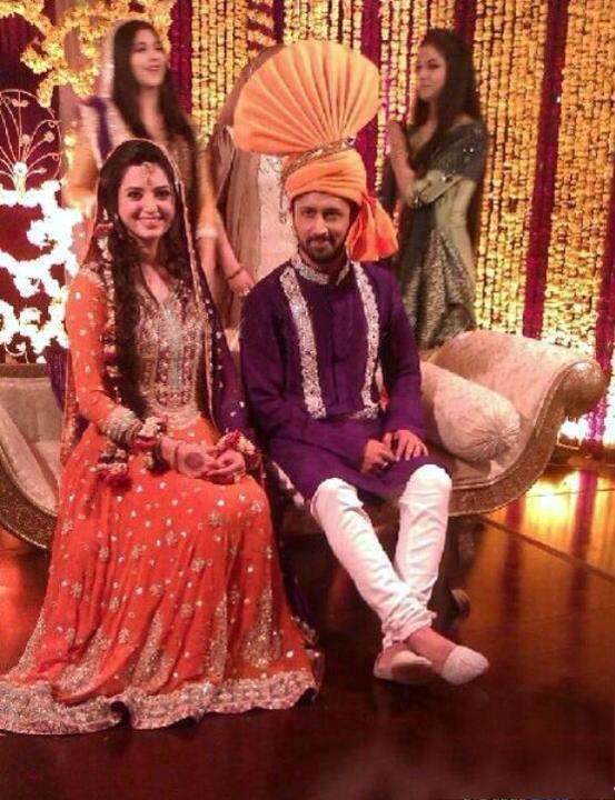 Singer Atif Aslam Girlfriend Sara Bharwana Wedding Pics ...