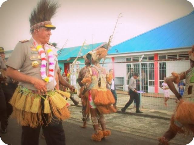 Paulus Waterpauw Kunjungi Masyarakat di Kabupaten Mappi