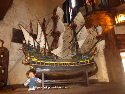 black pearl monchhichi bubbles Disneyland paris pirates