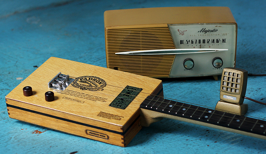 Turn An Old Radio Into A Guitar Amplifier