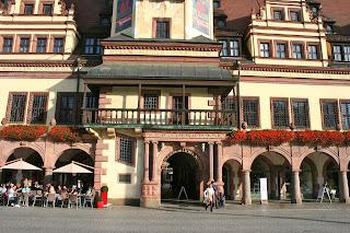 Durchgang zum Naschmarkt am Alten Rathaus