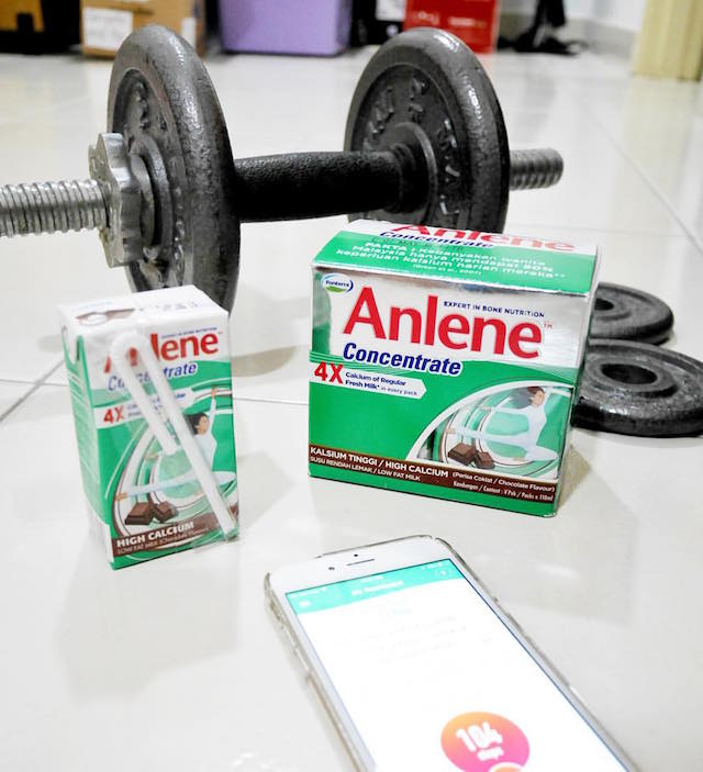 Shown is the AnleneMove app together with my favourite Anlene Concentrate