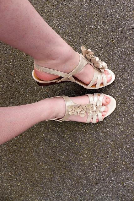 sandales fleurs