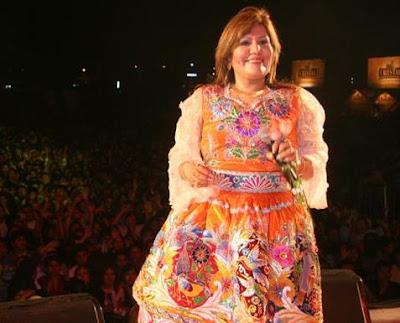 Foto de Alicia Delgado en el escenario