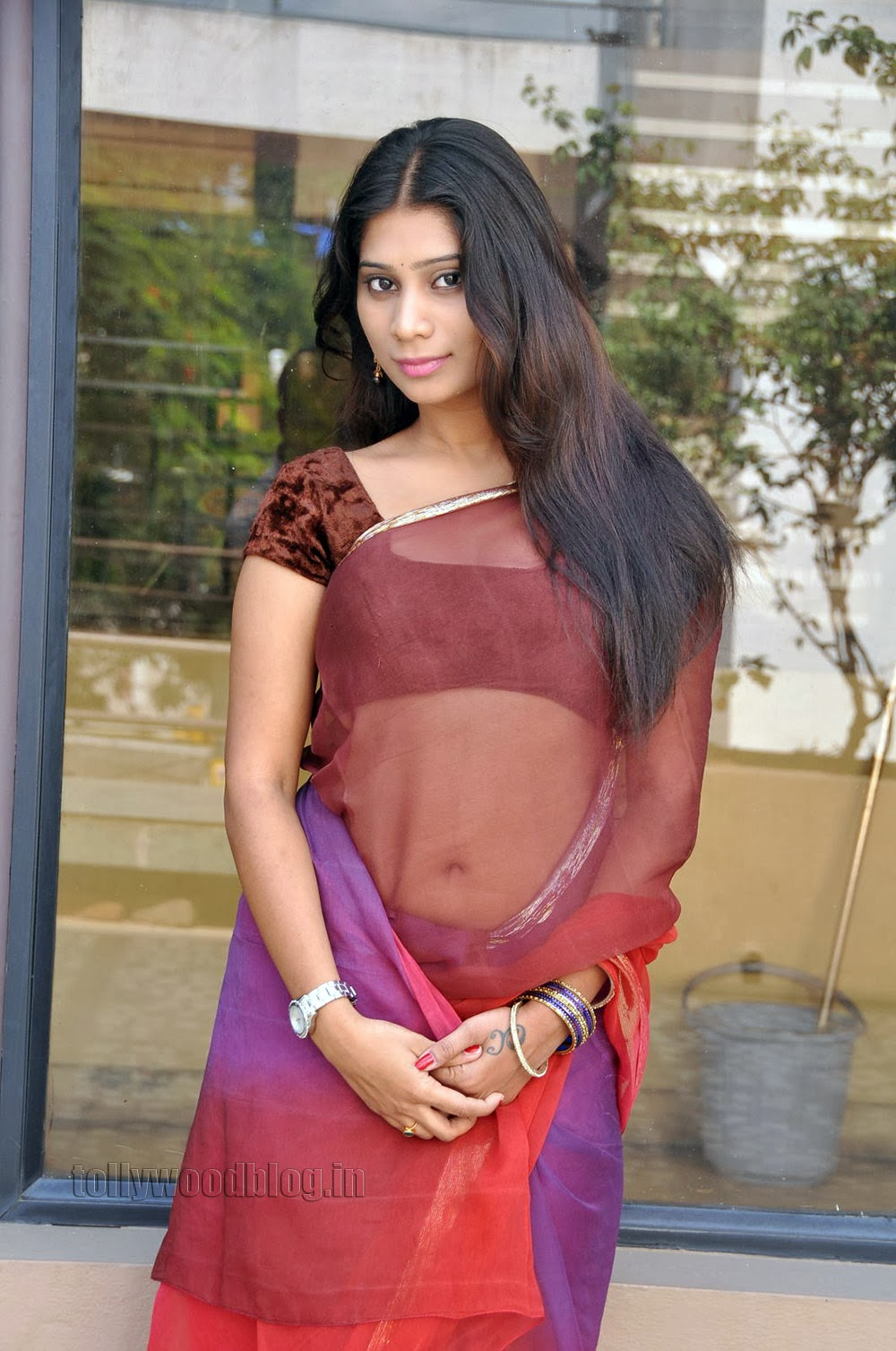 Midhuna waliya hot photos in saree