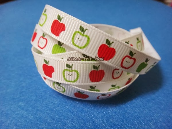 Ribbon Apple