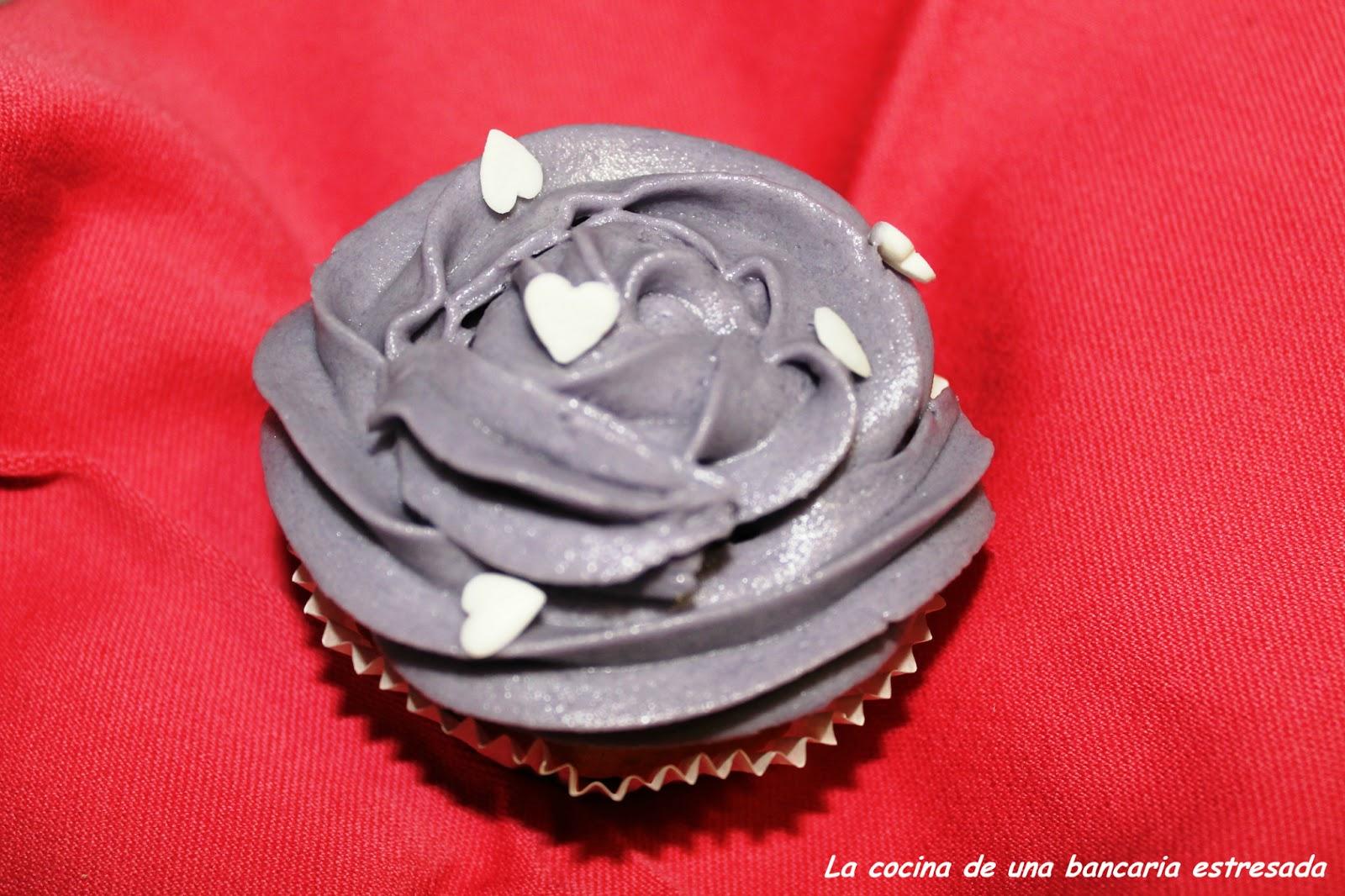 Muffins de chocolate con buttercream de vainilla