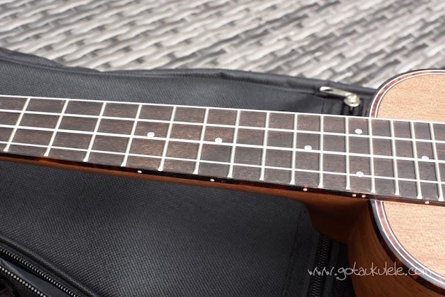 Muke MS-10 Soprano Ukulele fingerboard
