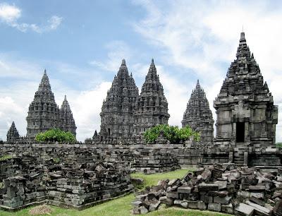 Proses Masuk dan Berkembangnya Hindu Budha di Indonesia Proses Masuk dan Berkembangnya Hindu Budha di Indonesia