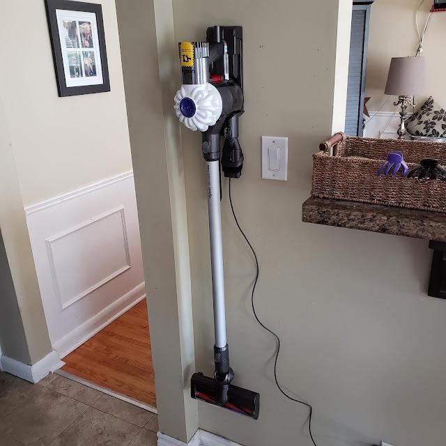 cordless vacuum, dyson v6, canadian tire