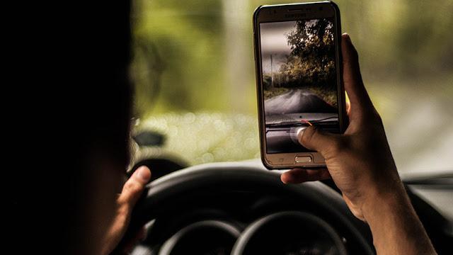 Conducía a más de 200 km/h, se jactaba de ello en WhatsApp y lo arrestan por atropellar a una chica