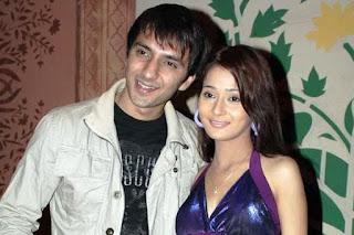 Foto Sara Khan dengan Ali Merchant (mantan suami)