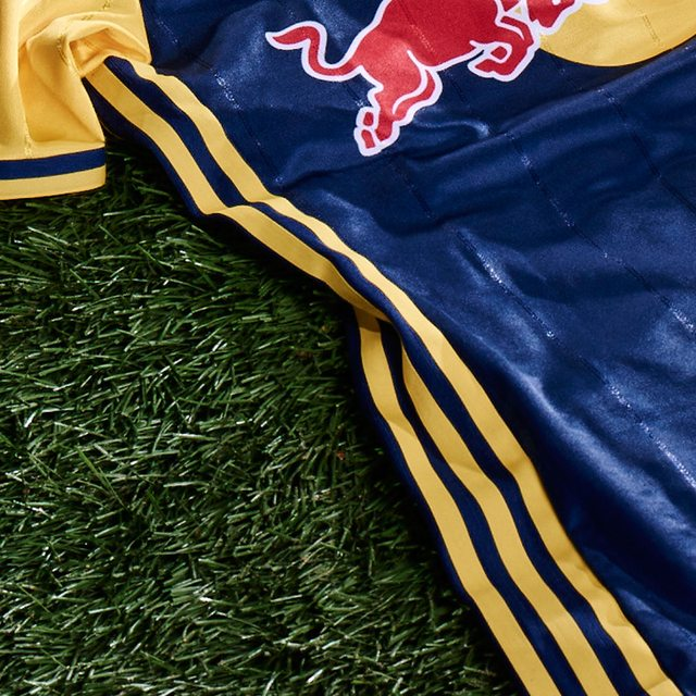 ff5b619015d86 The New York Red Bulls 2016 secondary kit features the Red Bull's signature  blue and yellow road colors in a revamped design that mirrors the club's  current ...