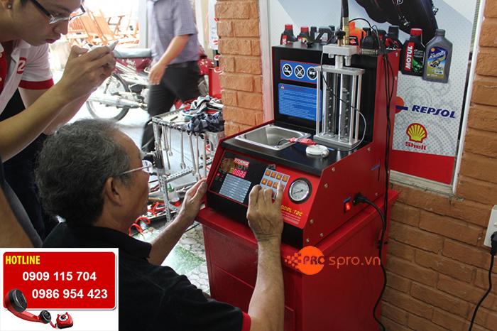 Máy súc béc phun xăng xe máy - máy xúc rửa kim phun điện tử T2C