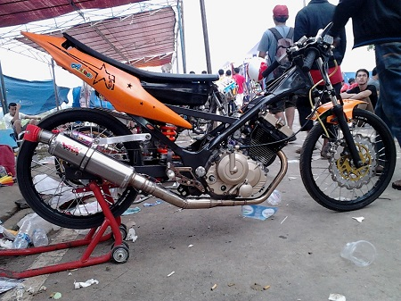motor drag satria fu