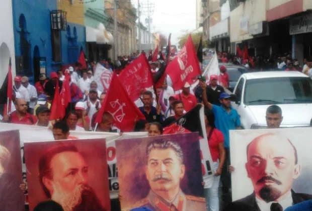Sindicatos bolivarianos protestan en Barquisimeto contra medidas económicas de Maduro
