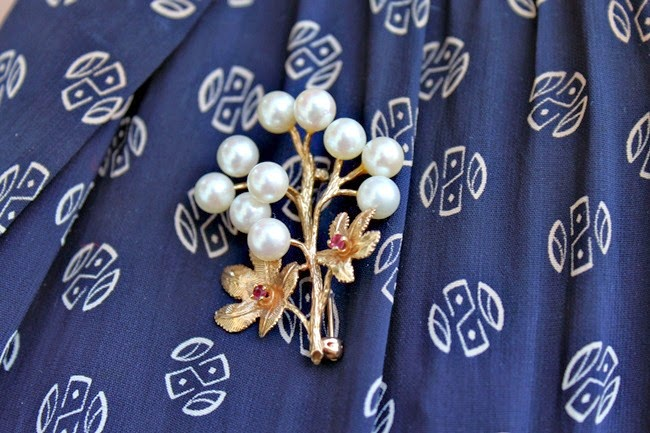 vintage 1950s pearl and gold tree brooch