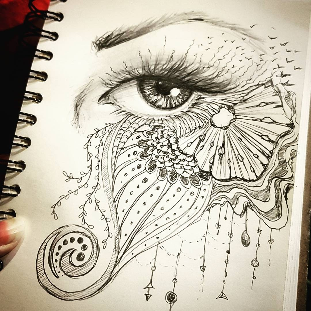 03-Eye-Steph-Diaz-Zahalka-A-Compilation-of-Different-Portrait-Style-Drawings-www-designstack-co