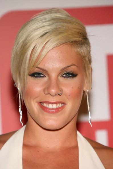 La Jolla Hair Stylist Kira Pinski: Pink's New Haircut
