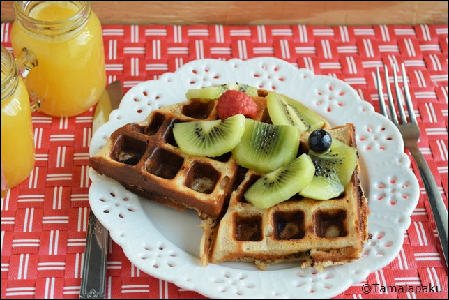 Eggless Whole Wheat Kiwi Waffles