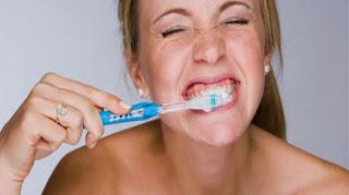 Tips Oral Seks Kedua, Jaga kebersihan mulut anda