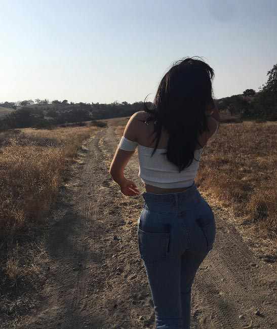 Kylie Jenner flaunts flawless body as she releases new photos