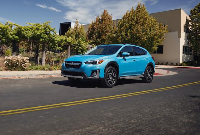 Front 3/4 view of 2019 Subaru Crosstrek Hybrid