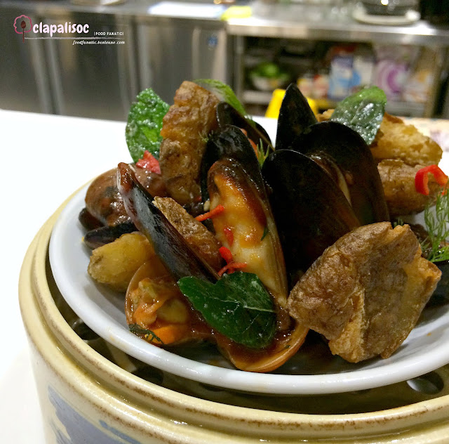 Beer House Mussels and Clams from Ping Pong Diplomacy