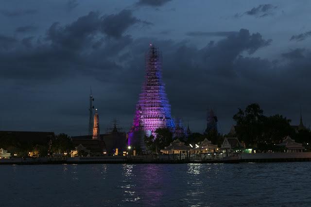Navigazione Chao Phraya-Wat Arun-Bangkok