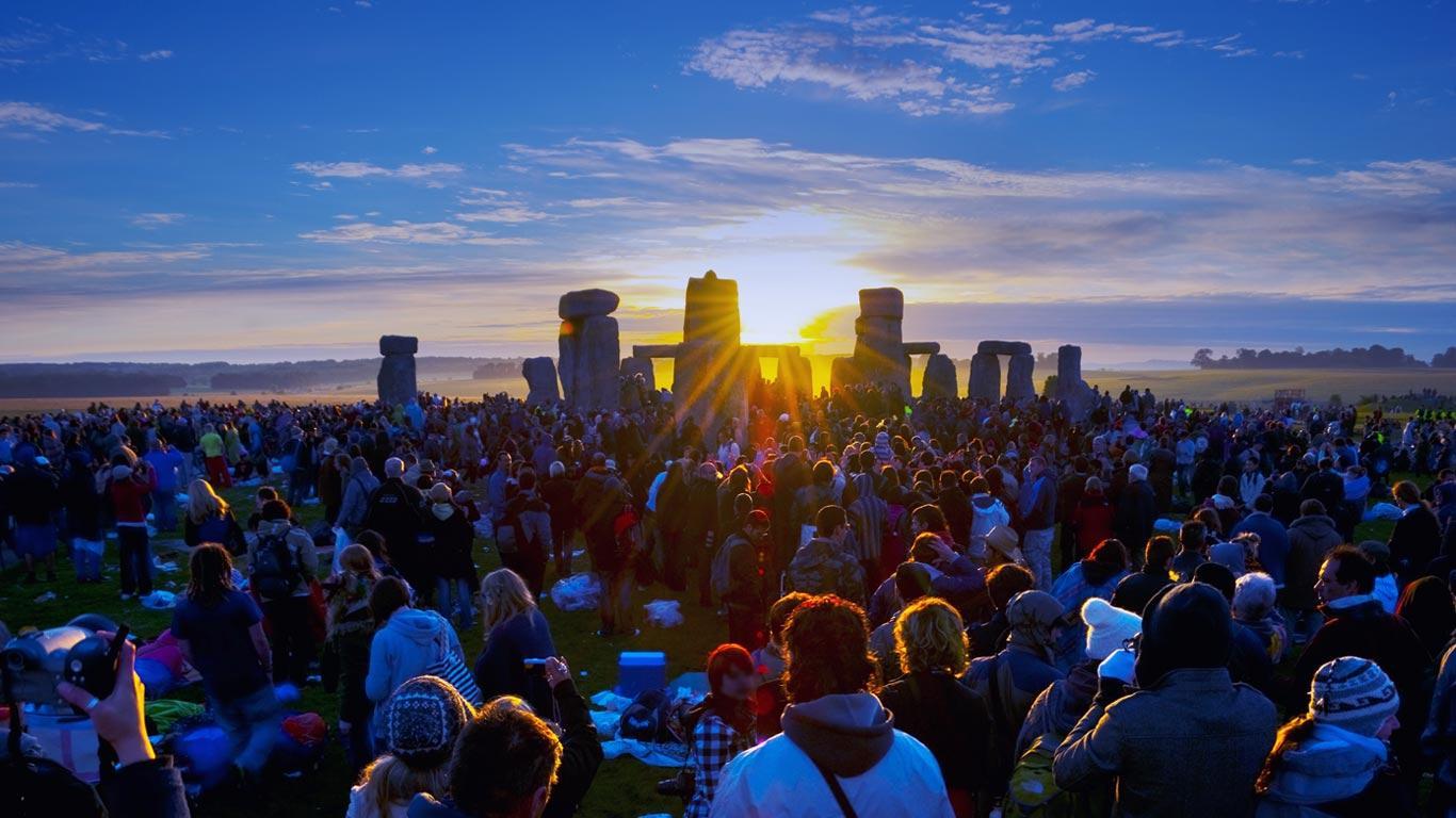 Summer Solstice Sunrise at Stonehenge | Pinterest Heaven ...