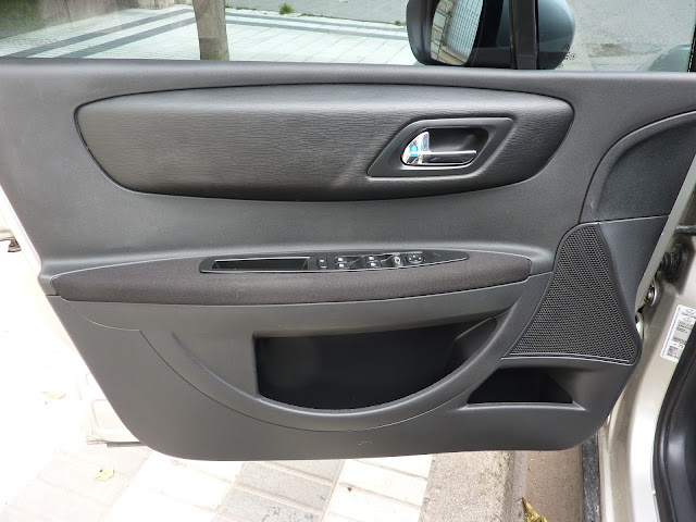 como limpiar un auto por dentro