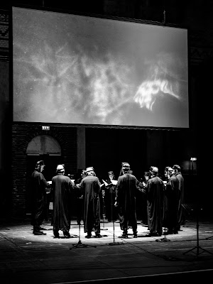 Sven Helbig, Kristjan Järvi, Vocalconsort Berlin I Eat The Sun And Drink The Rain