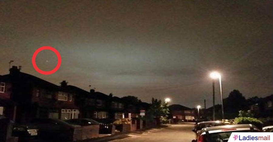 Cahaya Misterius Muncul di Langit Inggris, Benarkah UFO?
