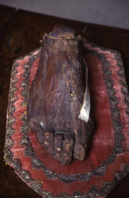 Το αδιάφθορο δεξί πόδι του Αποστόλου Ανδρέα https://leipsanothiki.blogspot.com/