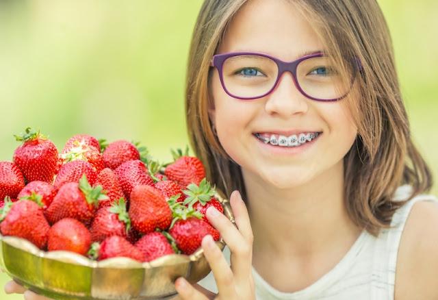 Makanan yang Tepat untuk Anda yang Menggunakan Behel Gigi