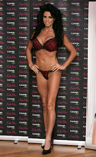 Katie Price Got Captured During An Event - Hot Curvy Body Show