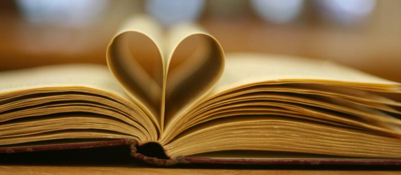 Propozycje prezentów dla miłośników książek