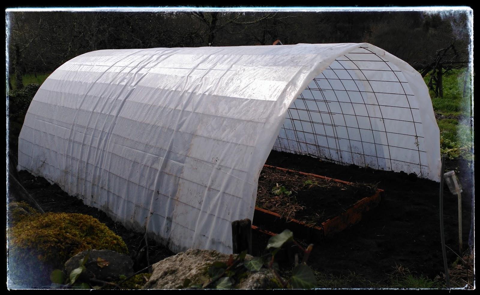 C mo hacer un invernadero con malla de obra - Fabricar un invernadero ...