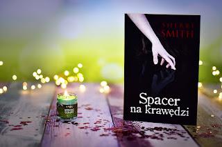 """Sherri Smith - """"Spacer na krawędzi"""""""