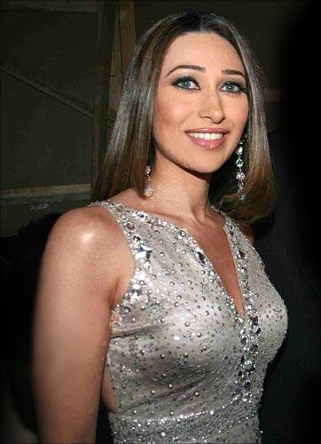 Karishma Kapoor 3  Hot-Celebs-Wallpapers-9610