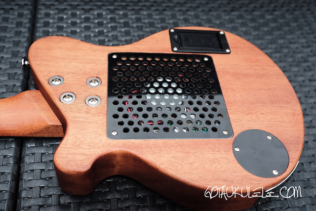 Pignose PGU-200MH Ukulele back