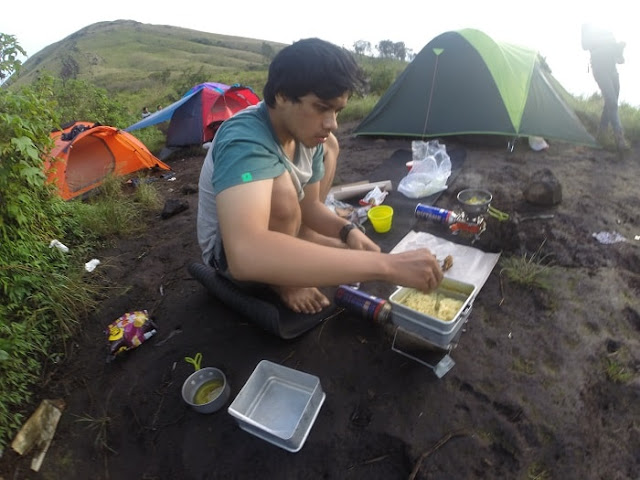 Mengisi Libur Panjang dengan Mendaki Gunung Penanggungan