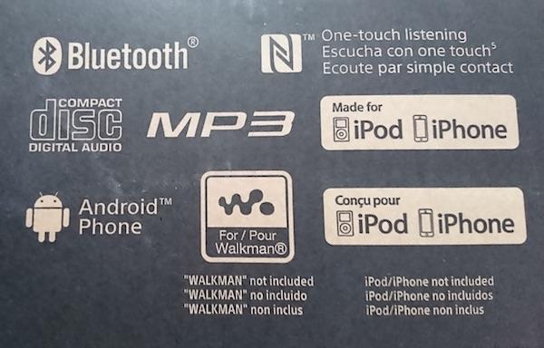 Photo d'un emballage de chaîne où ce qui ressort c'est bien la compatibilité avec les produis Apple.