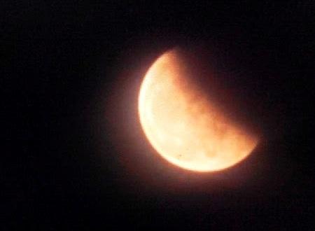 Fenomena Gerhana Bulan Berdarah